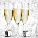 Champagne en giften Royalty-vrije Stock Foto's