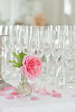 Champagne en glazen bij vieringen Royalty-vrije Stock Foto