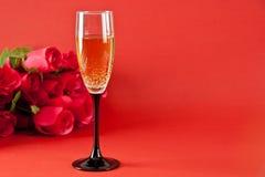Champagne en rozen Stock Afbeelding
