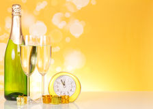 Champagne et horloge Photo stock