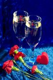 Champagne, fiori e cuore Immagini Stock