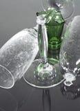 Champagne-Flöten und Flasche stockfotografie