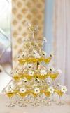 Champagne-Glaspyramide Stockfotos