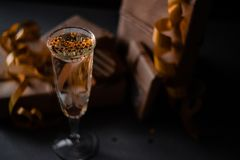 Champagne Glass Presents Decorations Background foto de stock