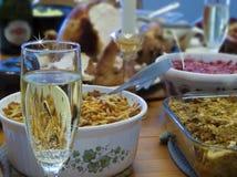 Champagne Glass su una Tabella di ringraziamento Immagine Stock