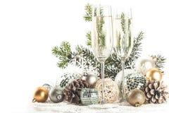 Champagne Glasses med jul/nytt år Royaltyfri Fotografi