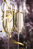 Champagne Glasses och banderoller Arkivbild