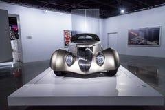Champagne kleurde 1936 Ford Roadster Impression royalty-vrije stock fotografie