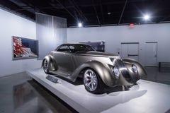 Champagne kleurde 1936 Ford Roadster Impression royalty-vrije stock foto's