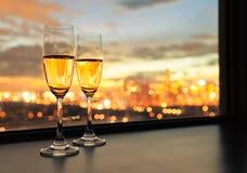 Champagne na cidade imagens de stock