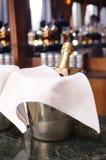 Champagne no gelo Fotografia de Stock