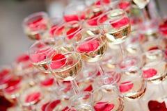 Champagne nos vidros Imagem de Stock