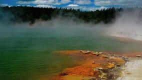 Champagne Pool nel Distretto di Rotorua, Nuova Zelanda - Timelaps video d archivio