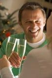 Champagne potable Photos stock