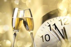 Champagne pronta a celebrare il nuovo anno immagini stock