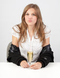 Champagne séduisant de la fille W Photo libre de droits