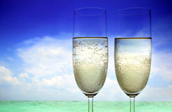 Champagne sulla spiaggia fotografie stock