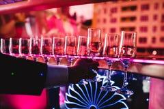 Champagne und Gläser Lizenzfreie Stockfotos
