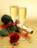 Champagne und stieg Lizenzfreie Stockbilder