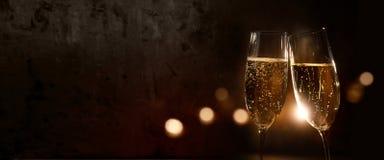 Champagne voor een nieuwe jaarviering stock afbeeldingen