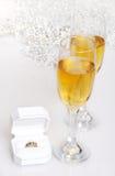 champagnediamantförlovningsring arkivfoto