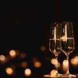 Champagneexponeringsglas för festligt tillfälle royaltyfria foton