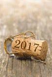 Champagnekork på nya år 2017 arkivfoton