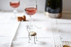 Champaign szkła z rosee winem obrazy stock