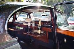 Champaigne dans le véhicule sur le défilé de véhicule de cru Images stock