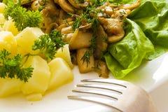 Champignon de couche avec la pomme de terre Photos stock