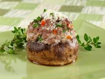 Champignon de couche bourré savoureux Photo libre de droits