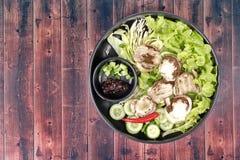 Champignon et légume en bambou frais bouillis avec des Di rôtis de piment Photographie stock