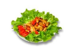 Champignon mit Tomate und grünem Pfeffer mit Kopfsalat auf einem weißen Hintergrund Lizenzfreie Stockfotografie