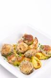 Champignonbratpfanne mit Kartoffel stockbilder