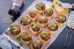Champignons с печеньем слойки Стоковые Изображения RF