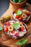 Champignons de couche bourrés géants de Portobello Photos libres de droits
