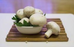 Champignons de paris frais de champignons Photographie stock