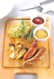 Champignons de poivre de bifteck de saucisses photos libres de droits