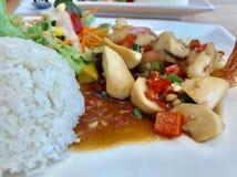 Champignons frits avec la crevette photos libres de droits