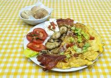 Champinjoner och ägg för frukost Royaltyfria Foton