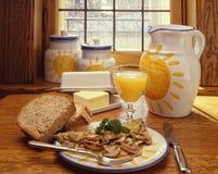 Champinjonomelettfrukost Arkivbilder