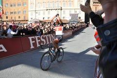Champion de bianche de strade sur le 3ème du mars 2012 Images libres de droits