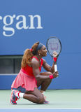 Champion Serena Williams de Grand Chelem pendant le quatrième match de rond à l'US Open 2013 Photo libre de droits