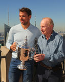 Champion Stanislas Wawrinka de Grand Chelem de trois fois de la Suisse pendant l'entrevue de CNN TV avec Pat Cash Photo stock