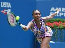 Champion Venus Williams de Grand Chelem des Etats-Unis dans l'action pendant son match du rond 4 à l'US Open 2016 Photo stock