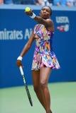 Champion Venus Williams de Grand Chelem des Etats-Unis dans l'action pendant son match du rond 4 à l'US Open 2016 Image libre de droits
