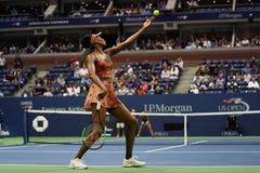 Champion Venus Williams de Grand Chelem des Etats-Unis dans l'action pendant son match du rond 4 à l'US Open 2017 Image libre de droits