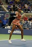 Champion Venus Williams de Grand Chelem des Etats-Unis dans l'action pendant son match du rond 4 à l'US Open 2017 Images libres de droits