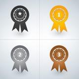 Champions значки награды золота, серебра и бронзы Во-первых, во-вторых и третьи награды мест также вектор иллюстрации притяжки co бесплатная иллюстрация