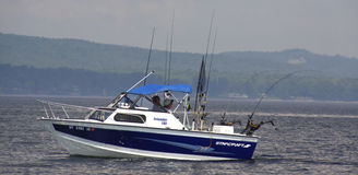 champlain捕鱼湖体育运动 免版税库存照片
